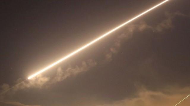 美英法聯軍轟炸敘化武基地 趕在國際組織調查化武襲擊前