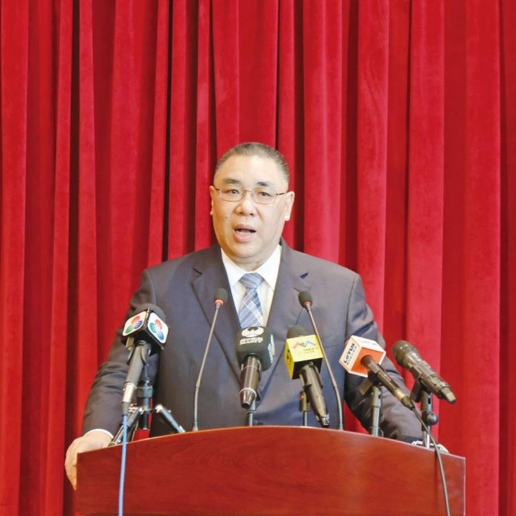 特首赴京出席人大會議閉幕