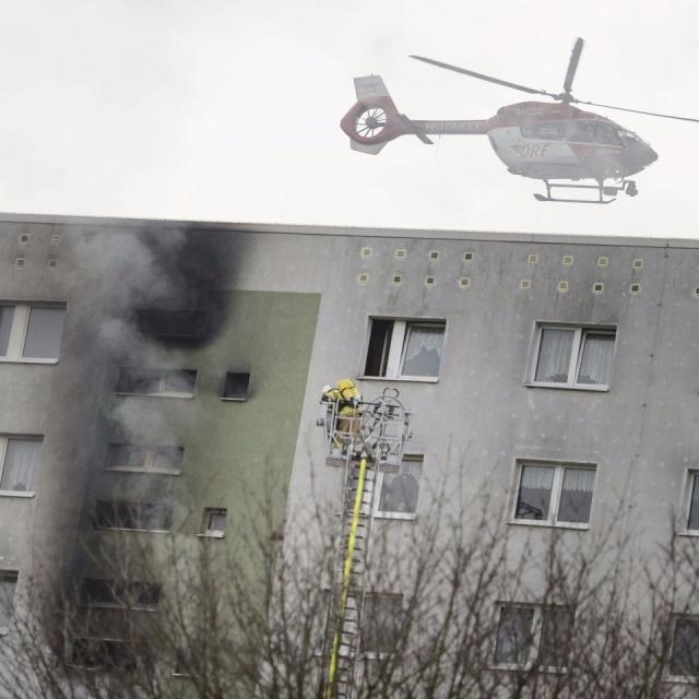 德國柏林住宅大廈大火18傷