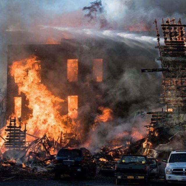 大火摧毀近半個市鎮