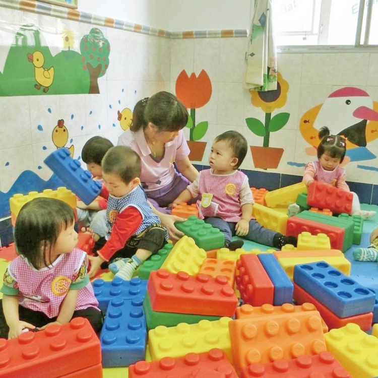 拓展新型托兒所 增加幼兒托額