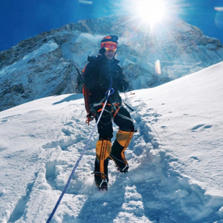 19歲青年成最年輕登頂港人