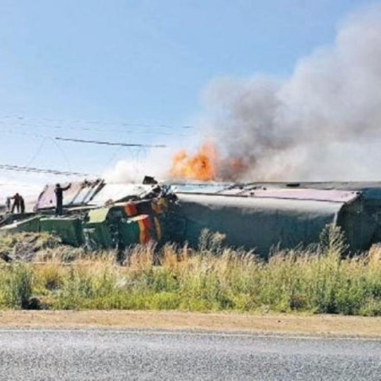 南非載客列車相撞出軌逾200傷