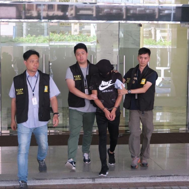 內地男涉盜親友20萬元被捕