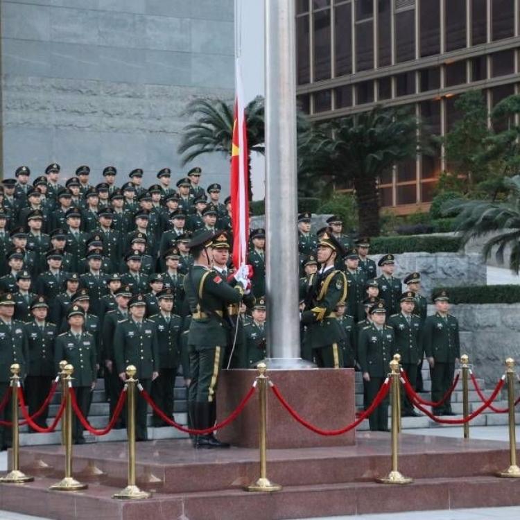 駐澳部隊舉行升國旗儀式