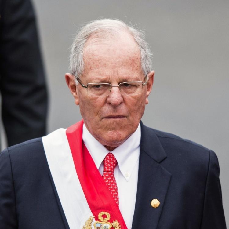 秘魯總統庫琴斯基彈劾案前辭職