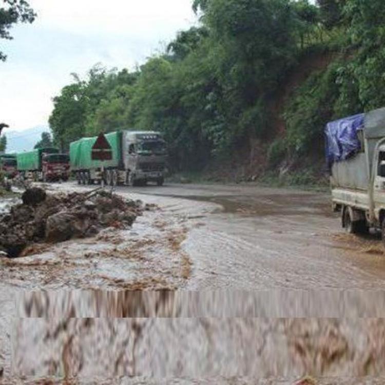 越南北部暴雨成災最少七死12失蹤