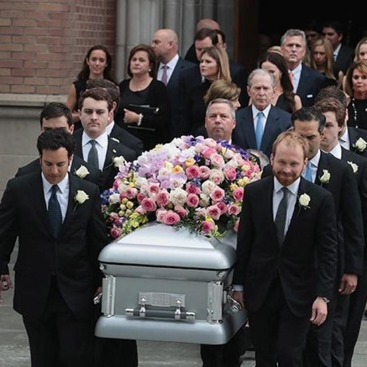 美國前第一夫人芭芭拉舉殯