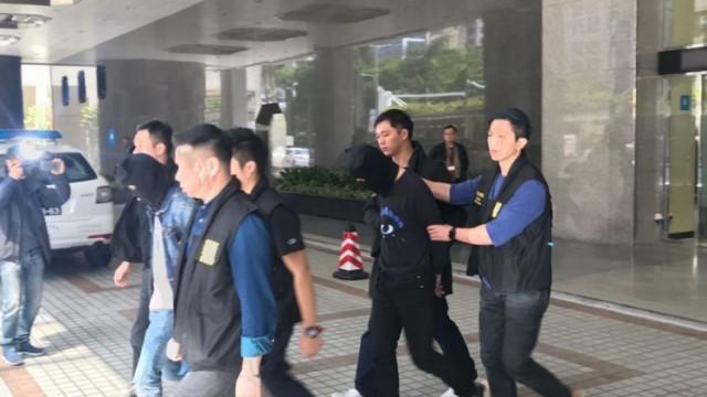底褲胸圍變藏毒法寶 司警拘13歲港女藏毒入境