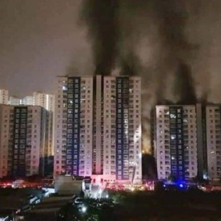 越南住商建築群起火 至少13死27傷