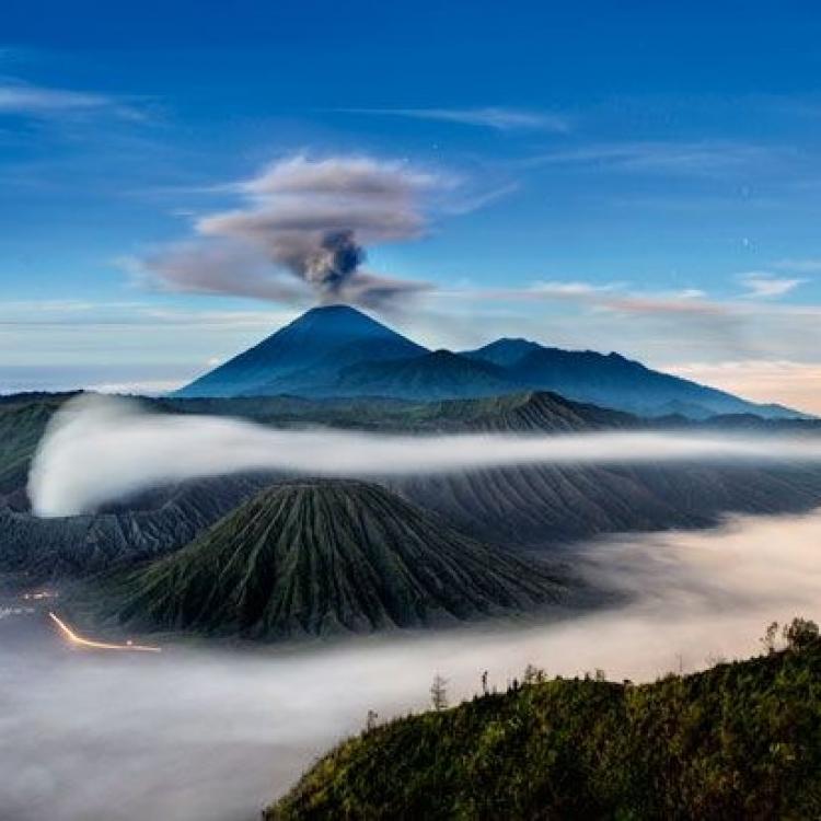 印尼默拉皮火山再度噴發