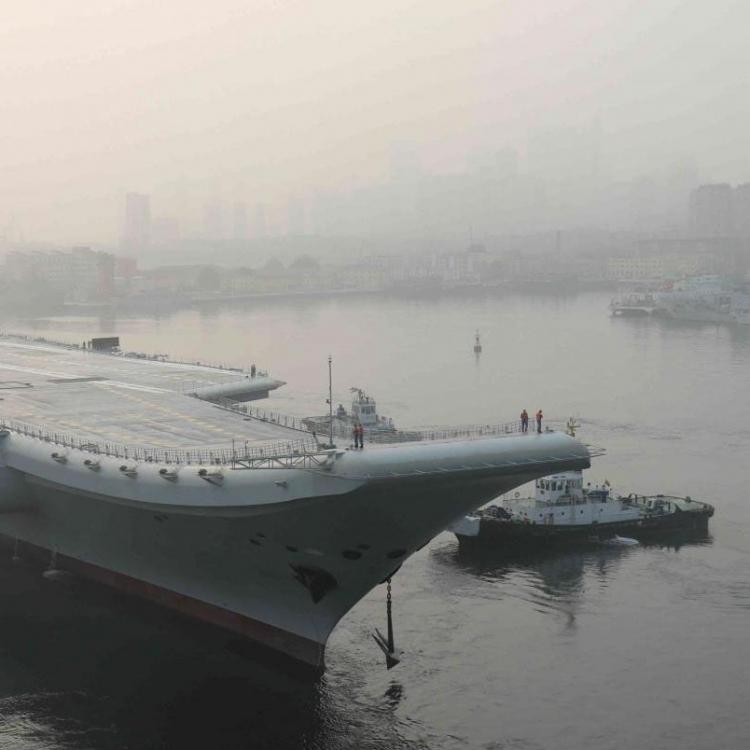 中國首艘國產航母今晨開始海試