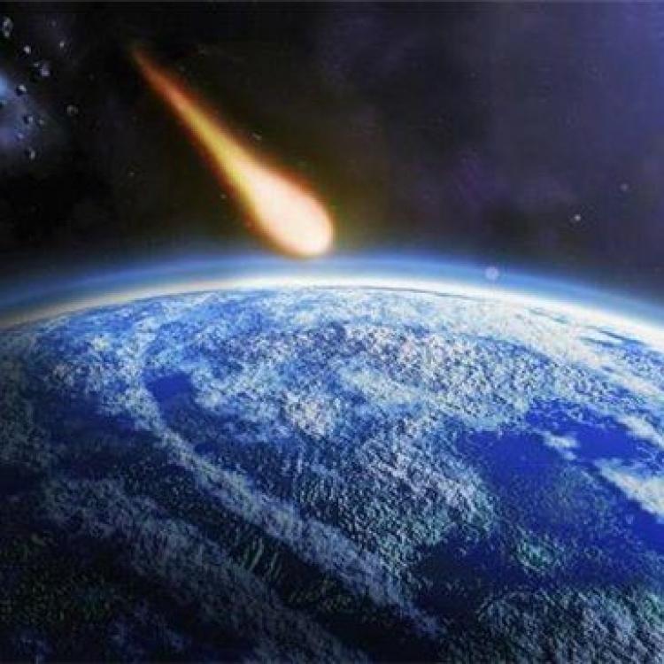 小行星非洲上空解體