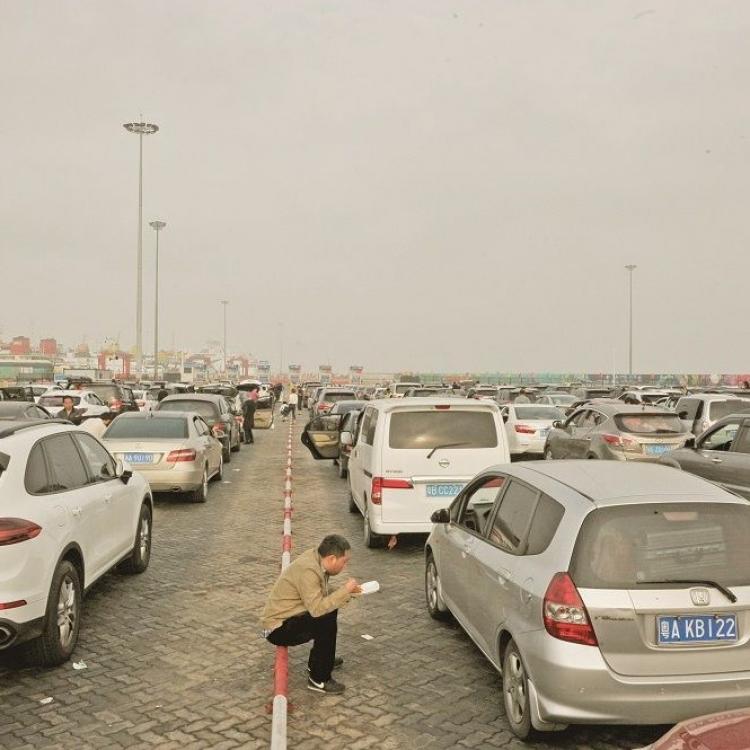近萬車輛仍滯海口