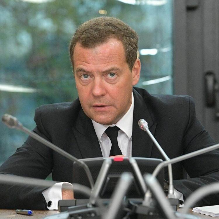 李克強祝賀梅德韋傑夫連任俄總理