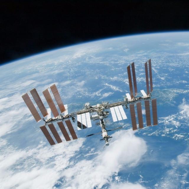 太空人凌空炮製「太空薄餅」