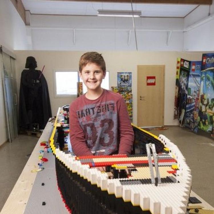 親手打造《鐵達尼號》模型