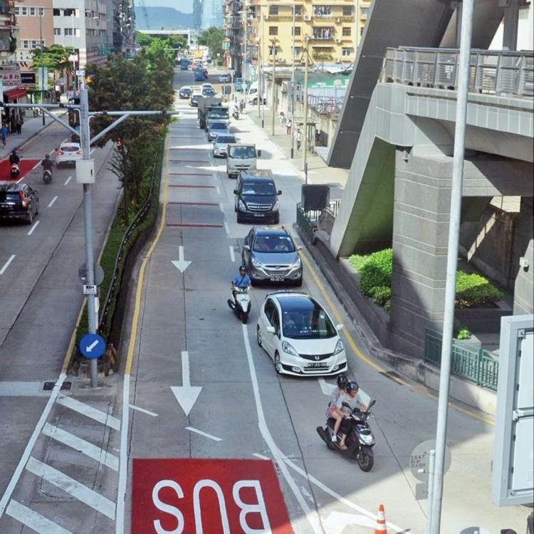 繼續落實公交優先政策方針