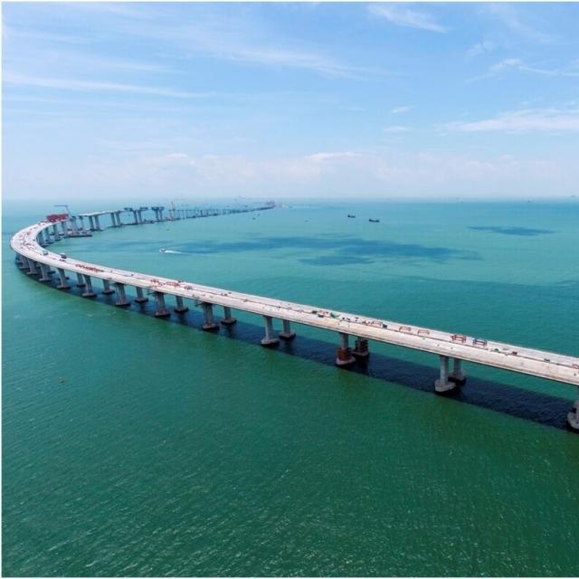 港珠澳大橋作試點