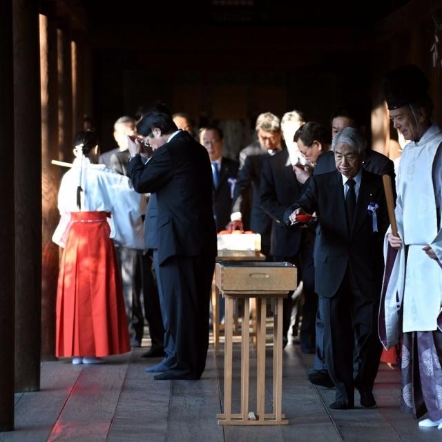跨黨派議員聯盟參拜靖國神社