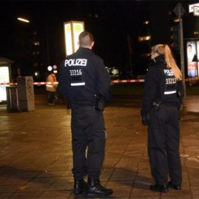 車剷柏林行人路 德警證為意外