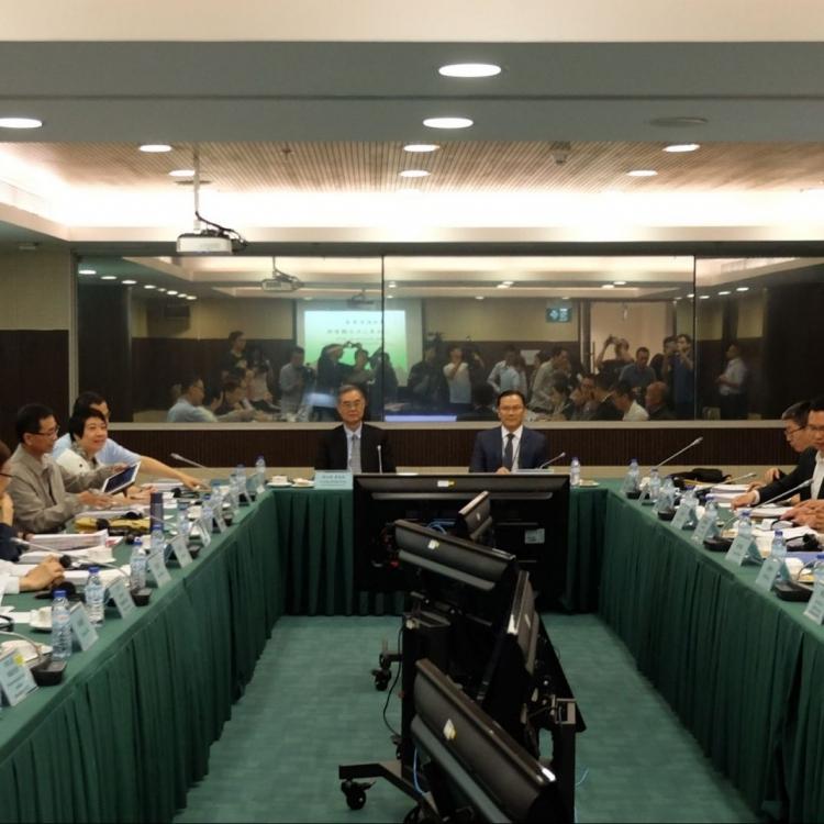 李燦烽:新城A區提供最少11,000個學位