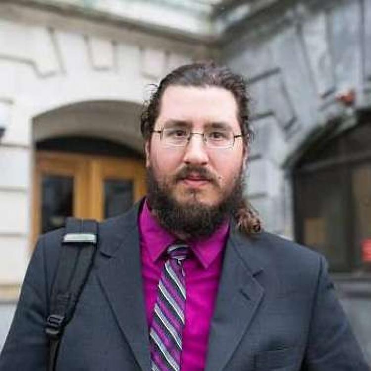 美紐約父母入稟法院逐無業子
