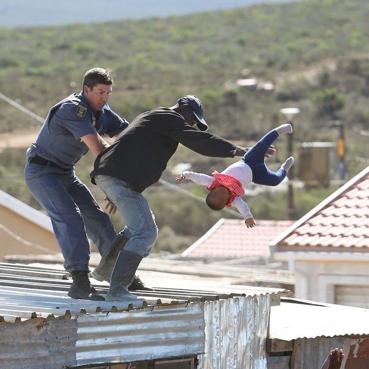 南非狠父掟半歲女落樓