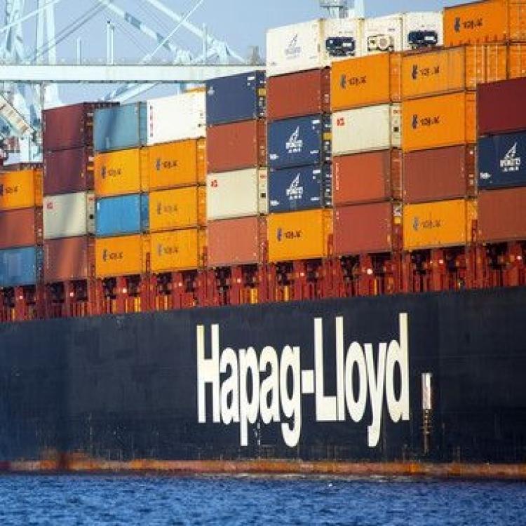 21個大型貨櫃墜入海中