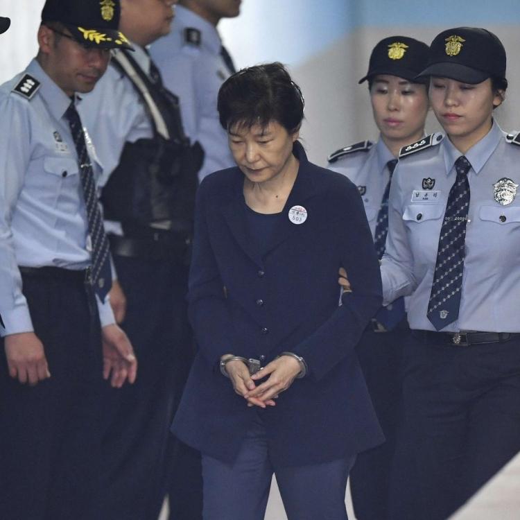韓檢方建議判處朴槿惠監禁30年
