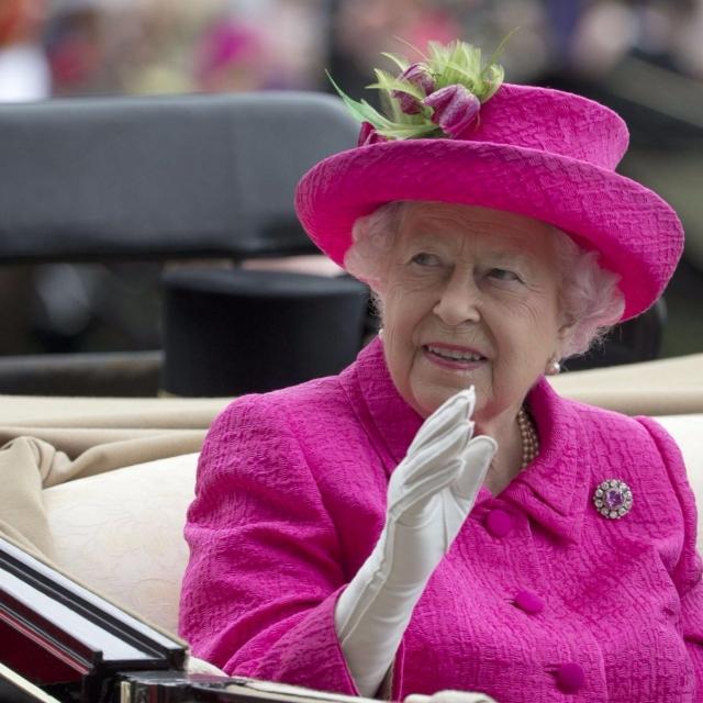 英女王等名人境外藏資產