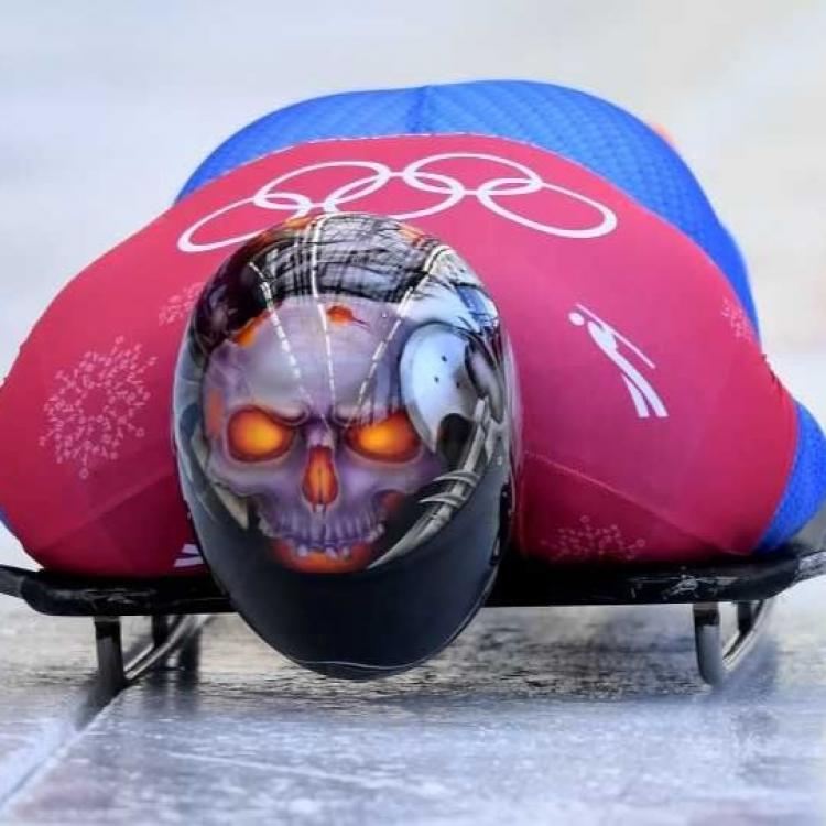 雪橇選手要威梗要戴頭盔
