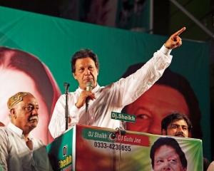 巴基斯坦走出兩黨政治