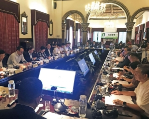 增加市政機構組成透明度