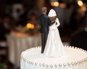 上半年「假結婚」86宗 黃司:有上升趨勢