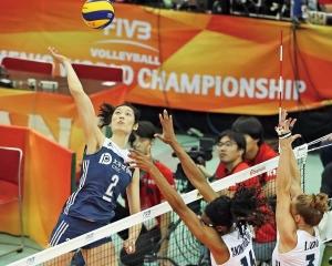 中國六強賽拔頭籌