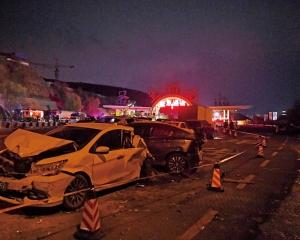 蘭海高速車禍15死