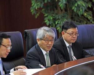 李展潤:很多局長投訴
