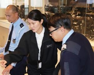 副消防局長鄒家昌、民防行動中心獲授英勇獎章