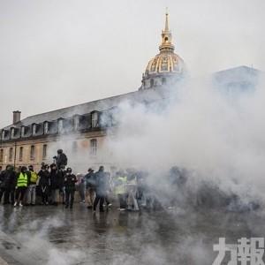 全法國84,000人上街