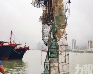 外港航道清除500米蟹籠