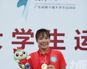 呂艶蘭打破200米跑澳門紀錄