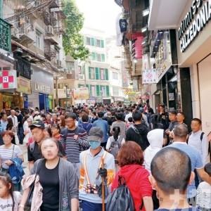 經濟局訪問1,500家商戶 飲食及零售業丁財兩旺