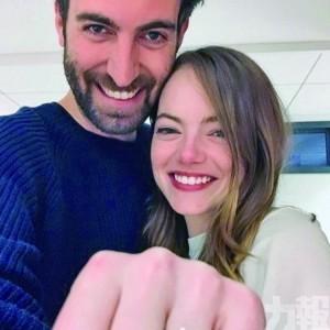 宣布與導演男友訂婚