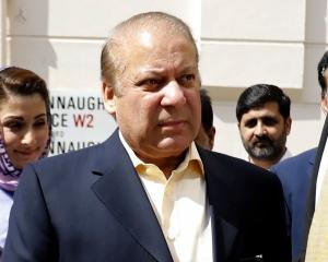 巴基斯坦前總理貪污罪成判囚10年