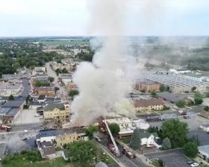 美天然氣管疑被掘斷引發爆炸多傷