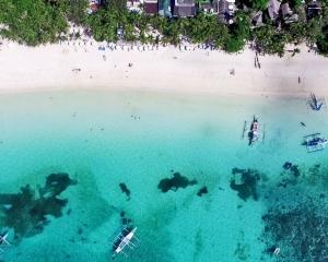 菲國長灘島10月26日重新開放