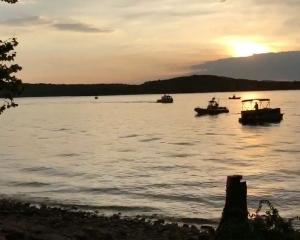 美密蘇里州觀光船翻沉 至少11死
