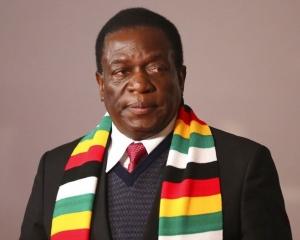 總統姆南加古瓦成功連任