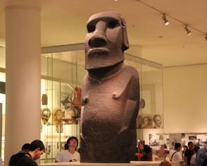 復活島原住民要求交還摩艾石像